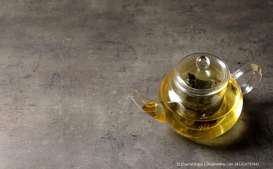Oolong Tee in einer Glaskanne - Dong Ding Oolong Tee